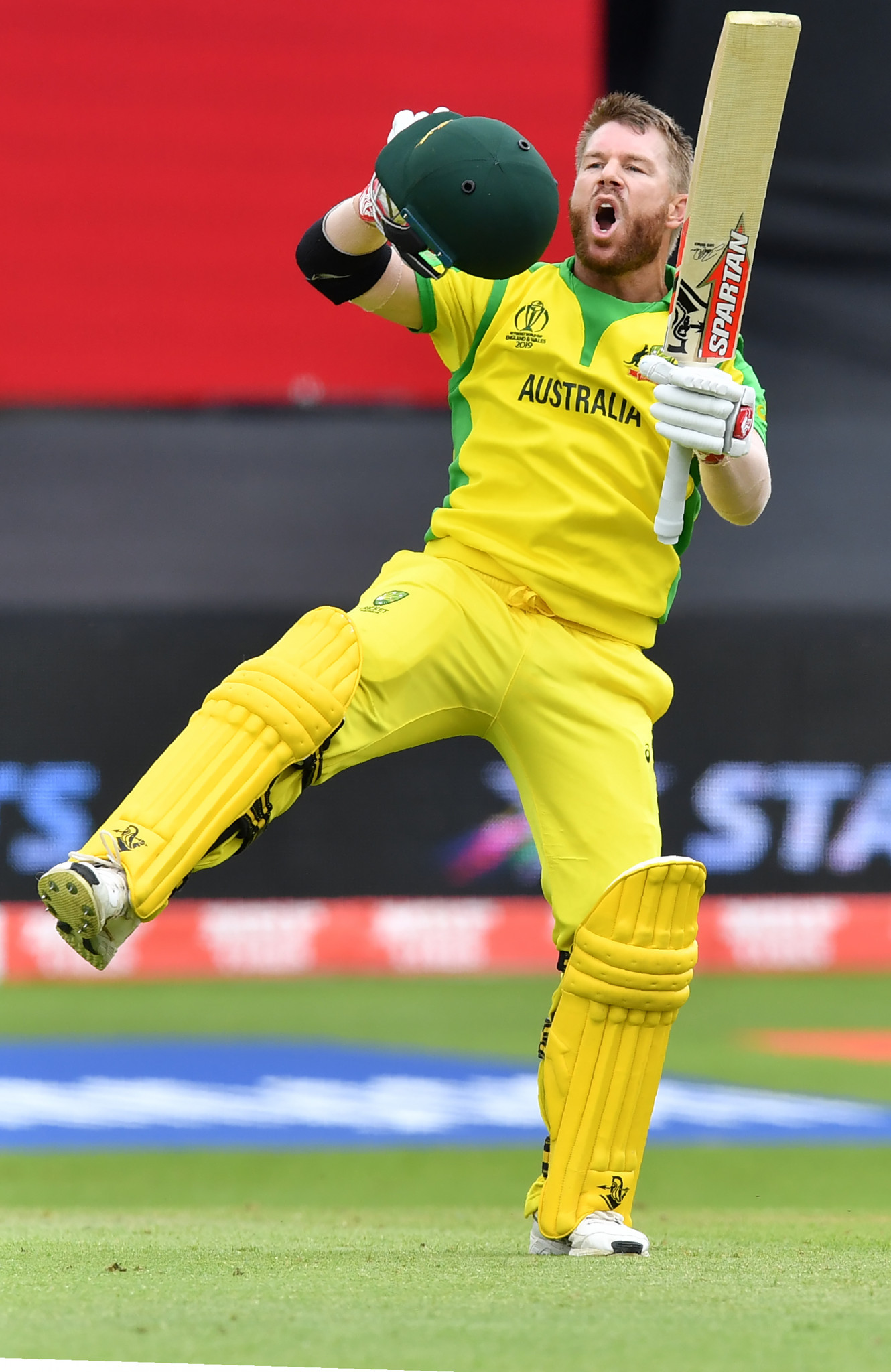 David Warner made a 102-ball century – his first at international level since a year-long ban for ball tampering ©Getty Images