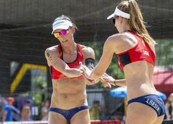 USA's Emily Stockman and Kelley Larsen extended their winning streak to four matches ©FIVB