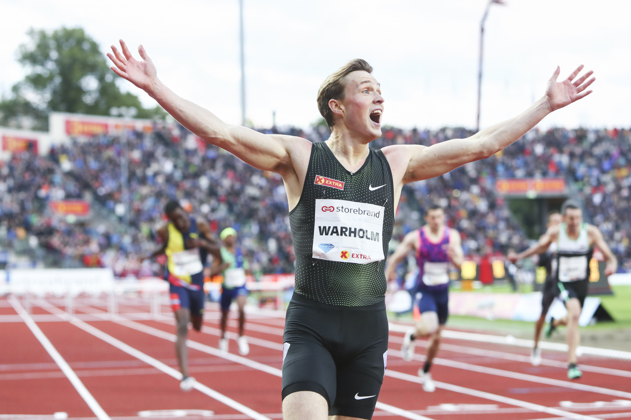 Karsten Warholm delights himself and a home crowd in Oslo by winning the 400m hurdles at tonight's IAAF Diamond League meeting in a national record of 47.33sec ©Getty Images
