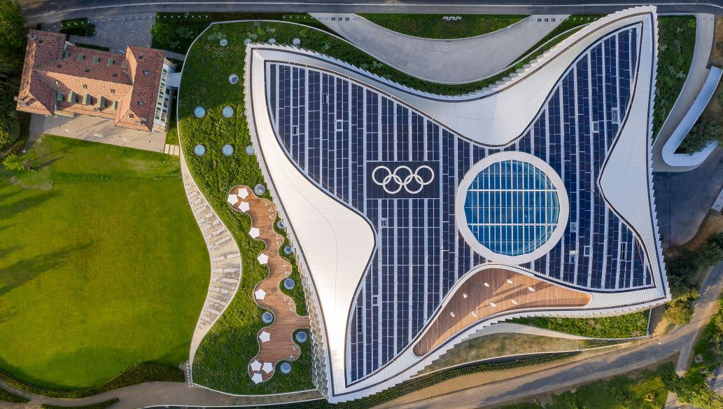 Solar panels and heat pumps using water from nearby Lake Geneva will provide renewable energy to Olympic House ©IOC
