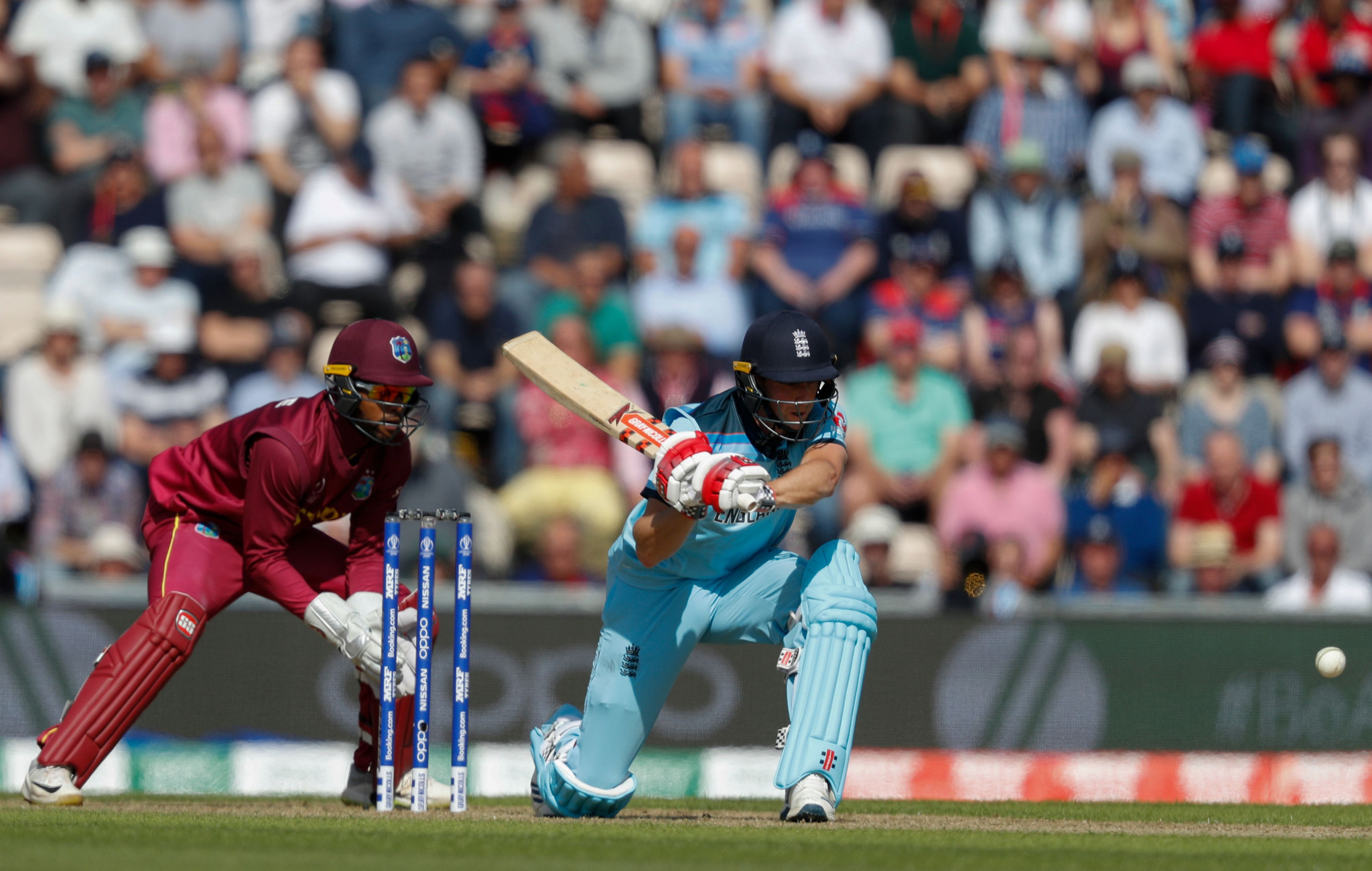 England easily chased down their target as they won with 16.5 overs to spare ©Getty Images