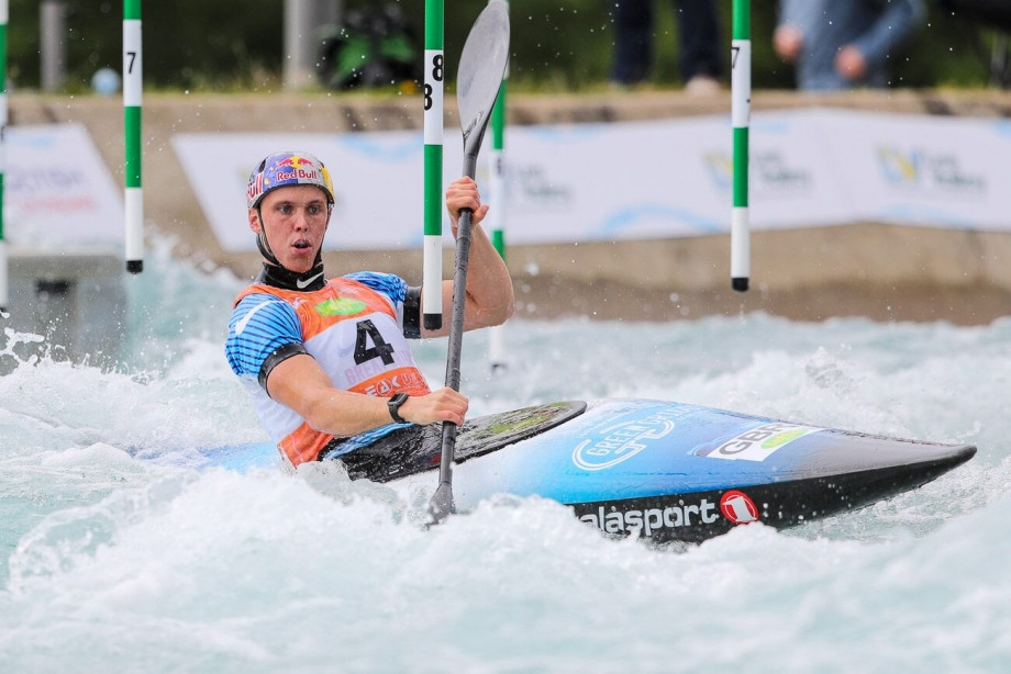 Rio 2016 Olympic gold medallist Joseph Clarke topped the men's K1 qualification standings as action began today at the season-opening ICF Canoe Slalom World Cup at Lee Valley Whitewater Centre ©Bence Vekassy/ICF