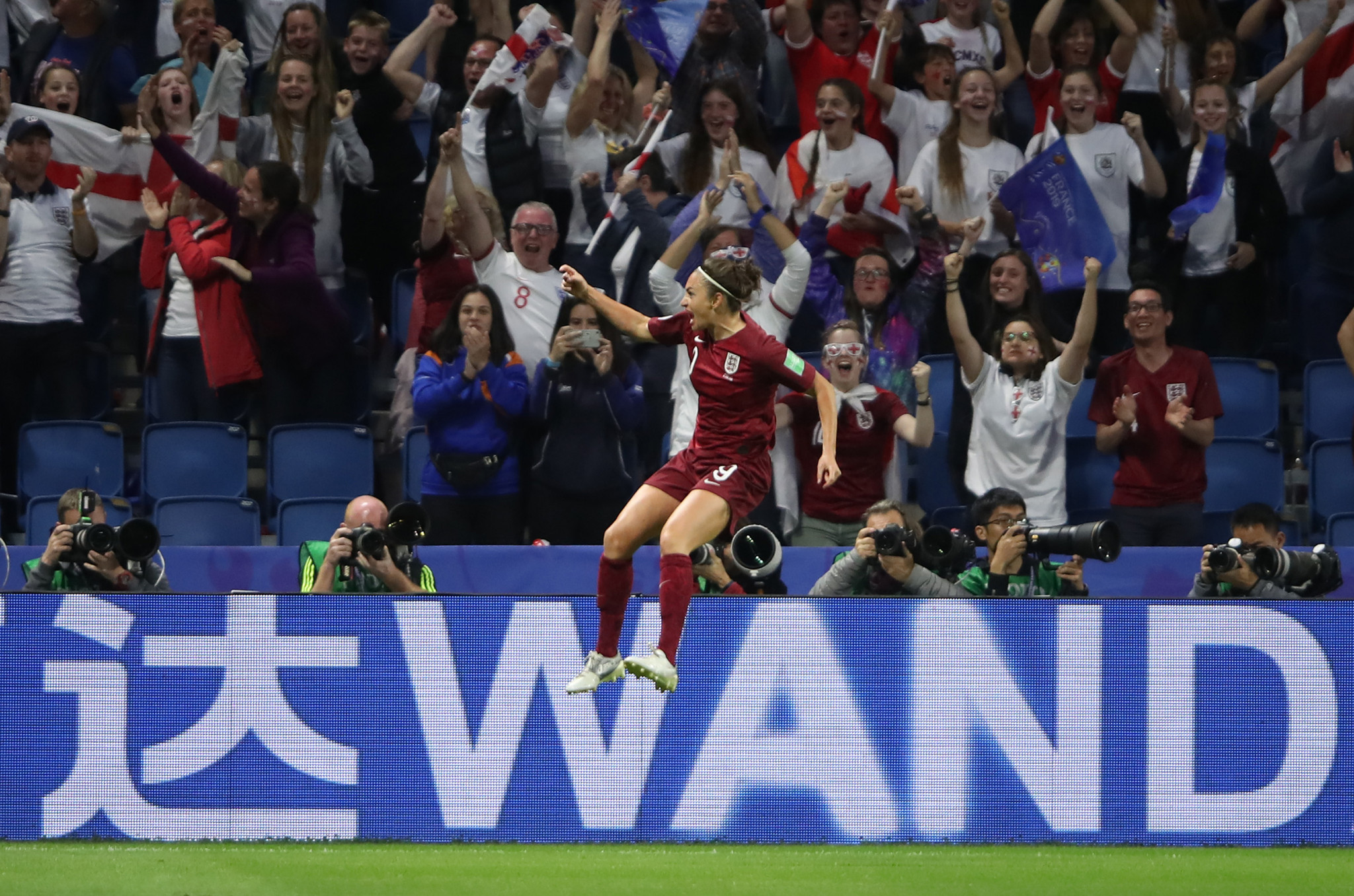 Jodie Taylor of England celebrates after breaking the deadlock in England's Group D match against Argentina ©Getty Images