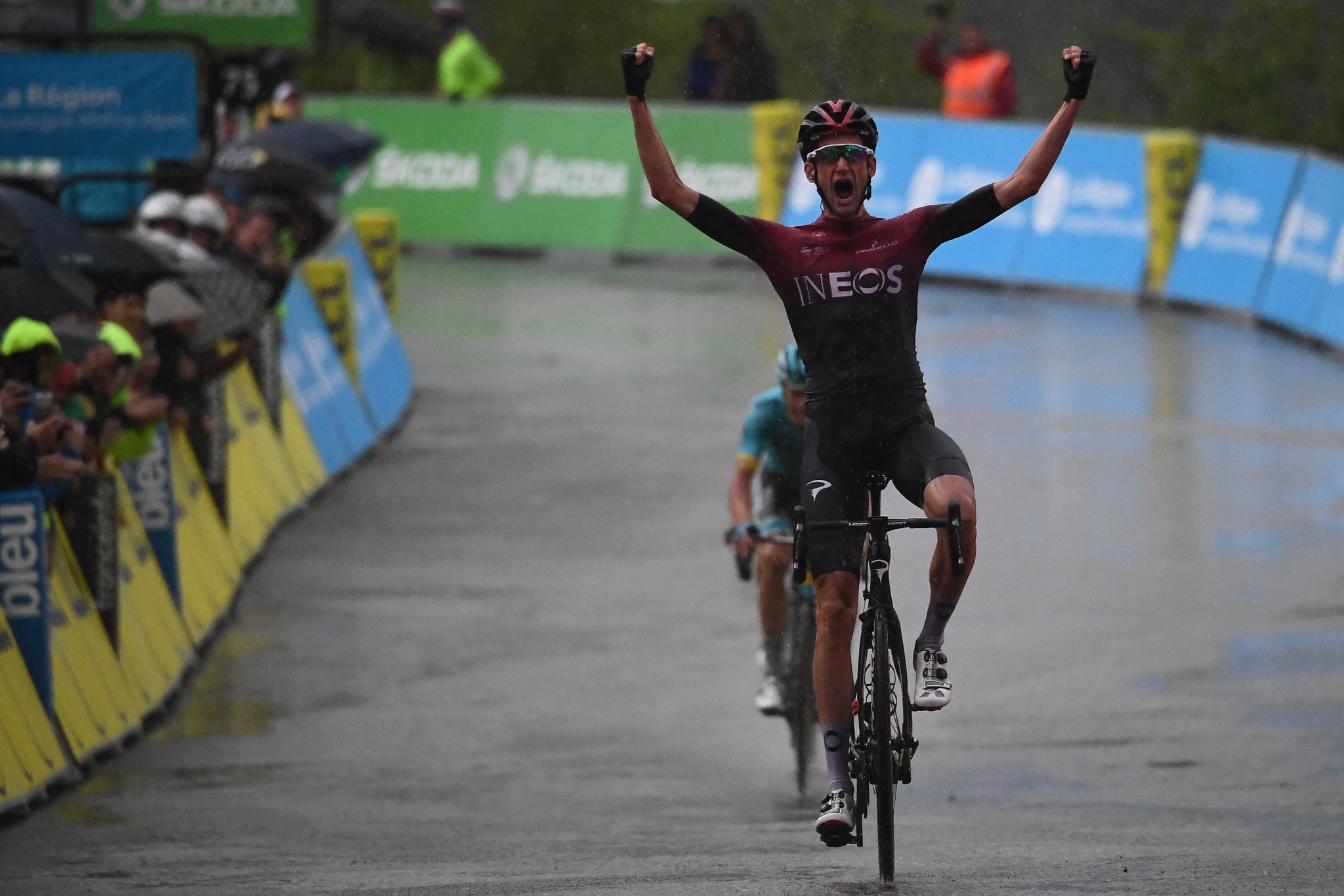 Poels dedicates stage win to injured Froome as Fuglsang takes Critérium du Dauphiné race lead