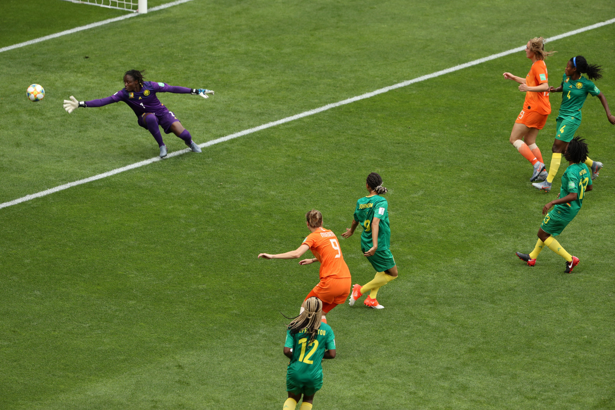Miedema drills in her second goal to become the Netherlands' all-time top scorer ©Getty Images