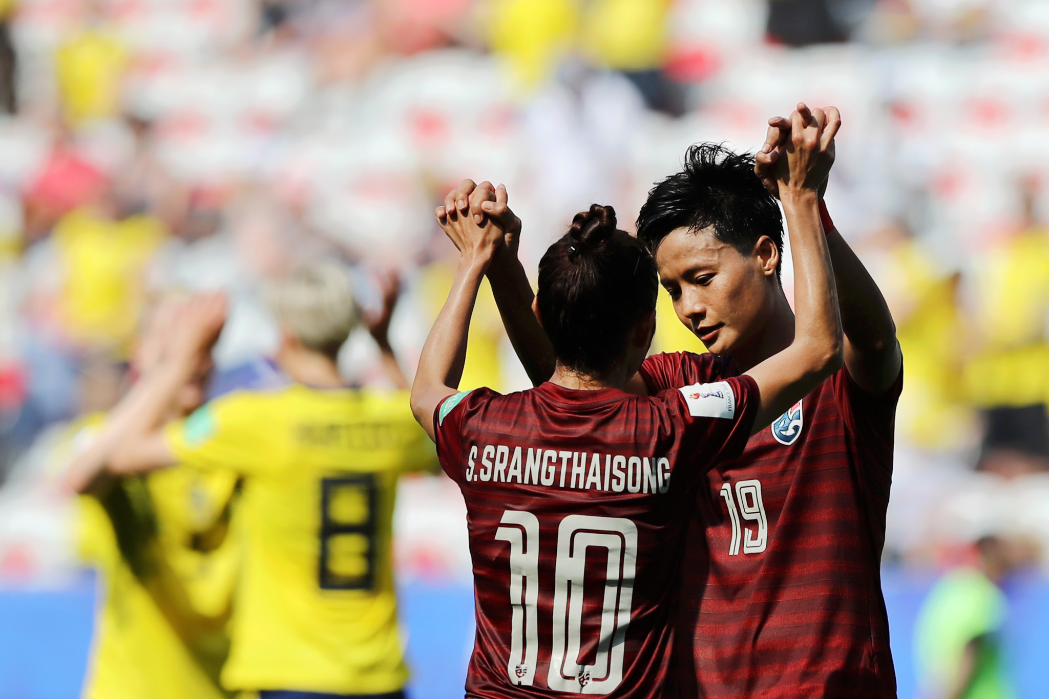 Sunisa Srangthaisong and Pitsamai Sornsai of Thailand react after defeat to Sweden ©Getty Images