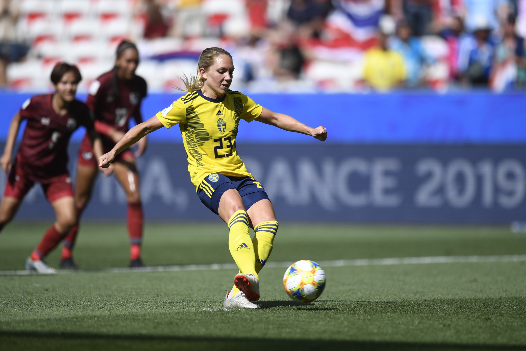 Elin Rubensson fires home Sweden's fifth from the penalty spot ©Getty Images