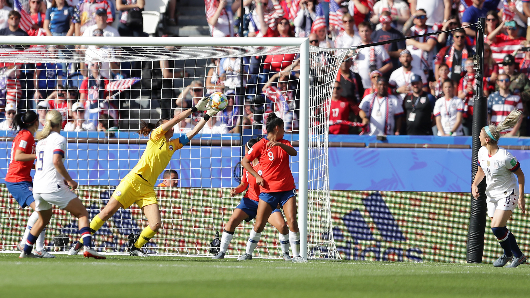 Julie Ertz heads the US into a two-goal lead from a corner ©Getty Images