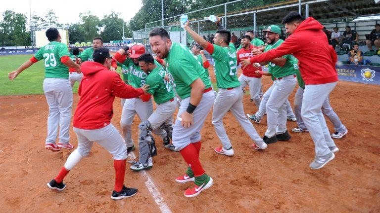 Mexico stunned New Zealand at the WBSC Men's Softball World Championship ©WBSC