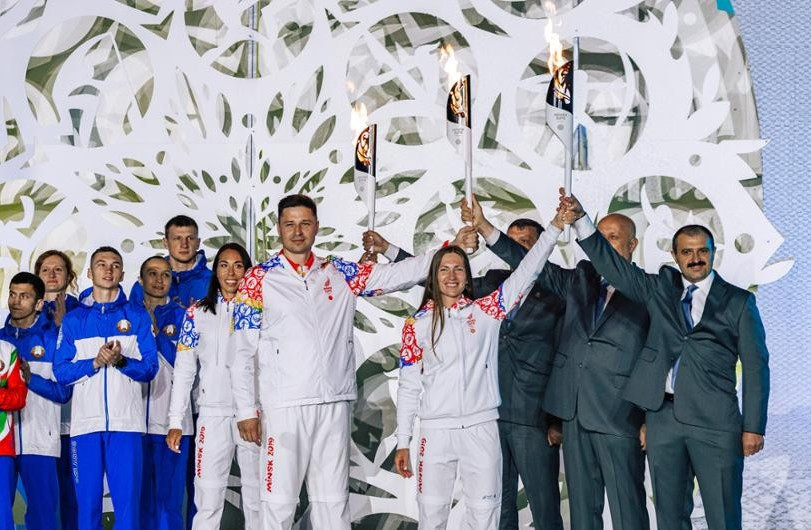 Quadruple Olympic biathlon champion Domracheva gets her hands on Minsk 2019 Torch