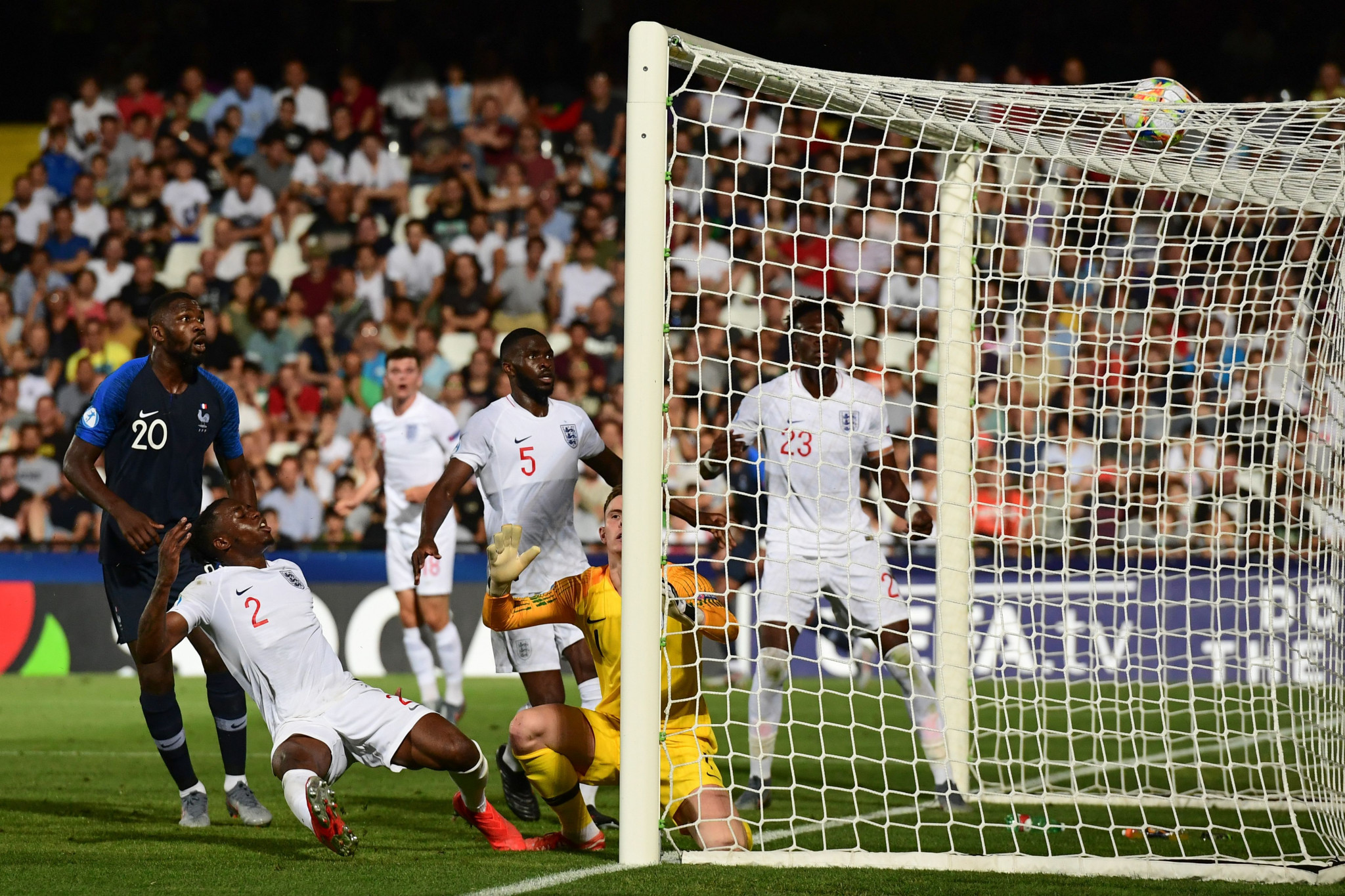 England's Aaron Wan-Bissaka scores an own goal deep into second-half stoppage time ©Getty Images