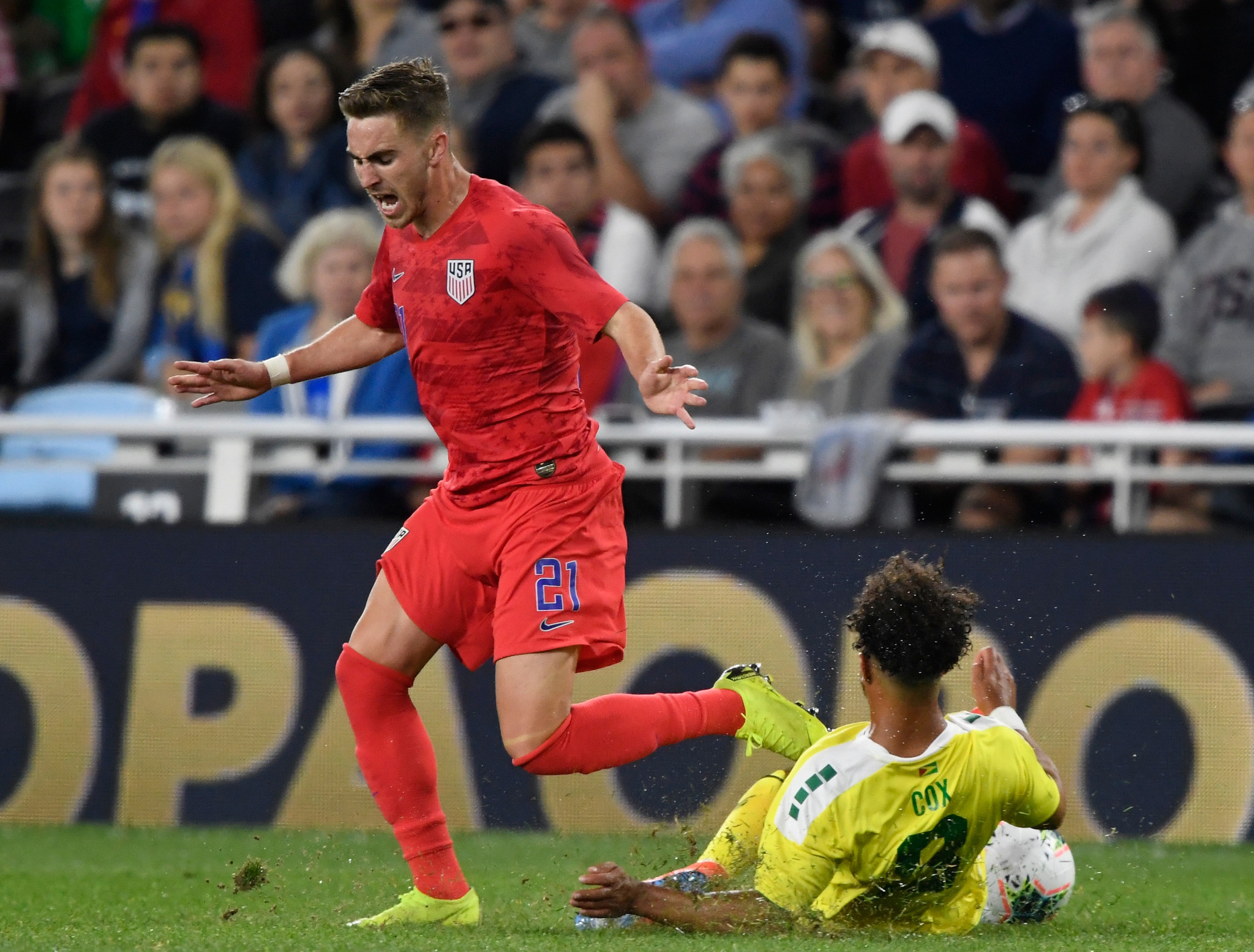 Hosts United States begin Gold Cup defence by comfortably dispatching Guyana