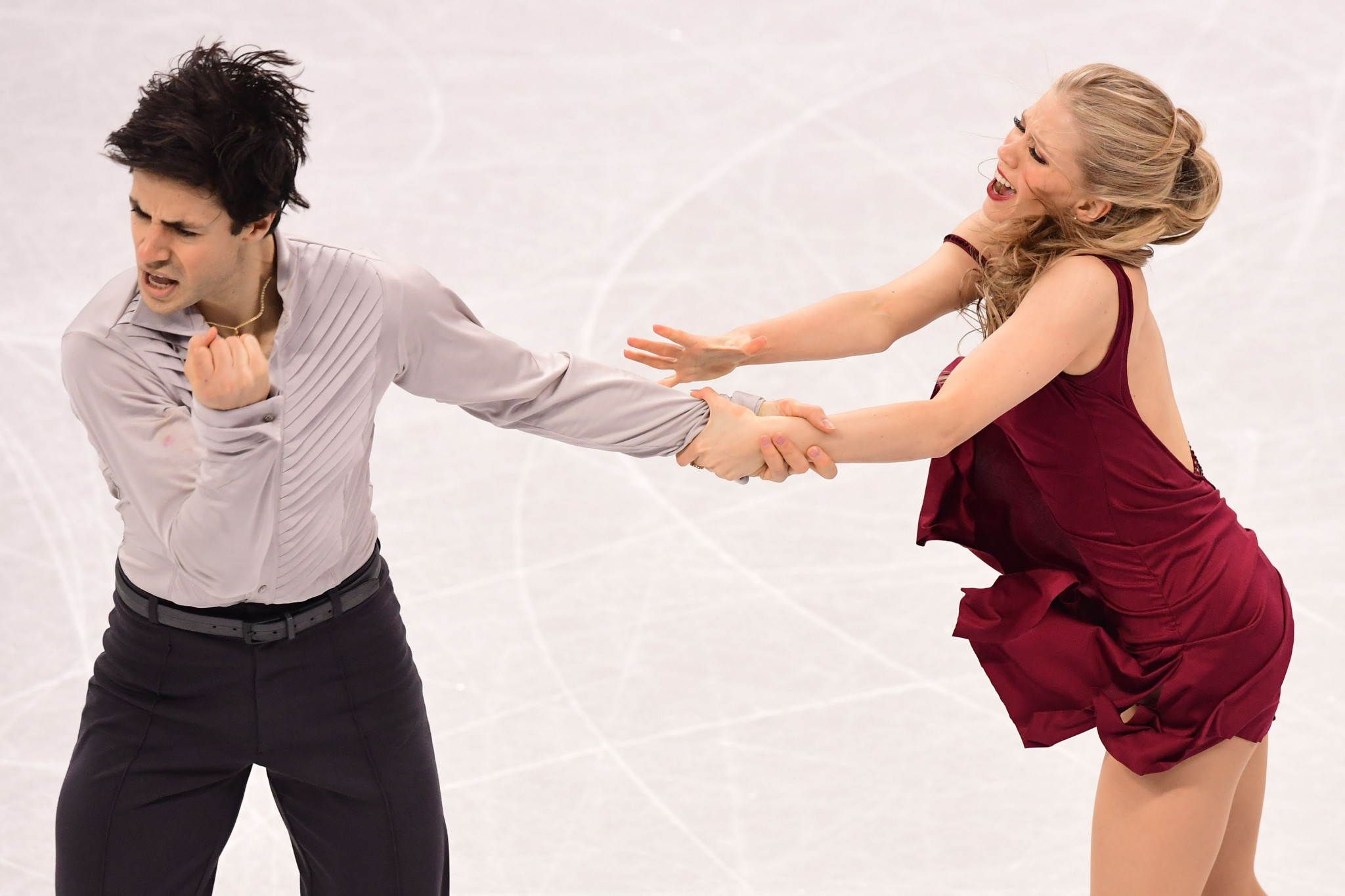 Kaitlyn Weaver and Andrew Poje have opted to evaluate their future plans ©Getty Images