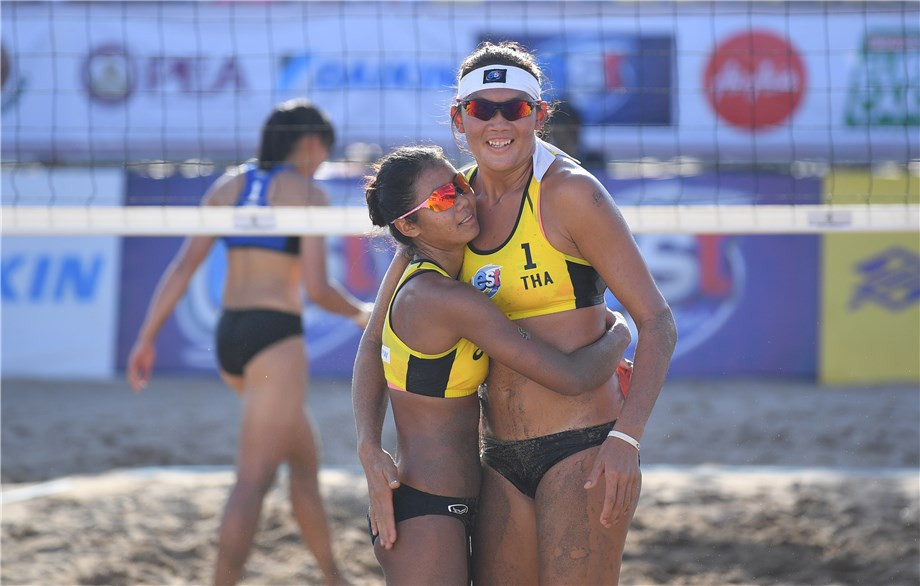 Yodsaphat Pakham and Chanthira Khanok claimed a second consecutive win for hosts Thailand ©FIVB