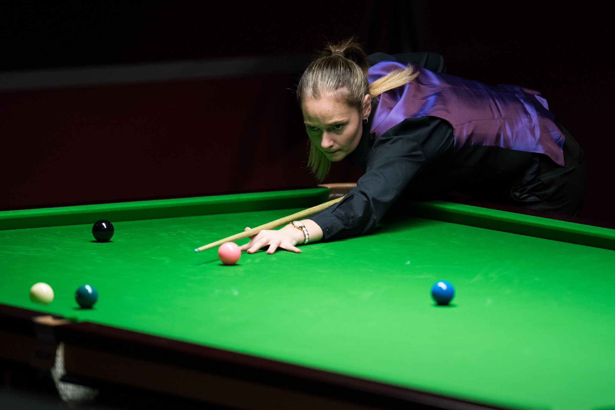 Evans and Ng advance to last 16 with unbeaten records at World Women's Snooker Championship