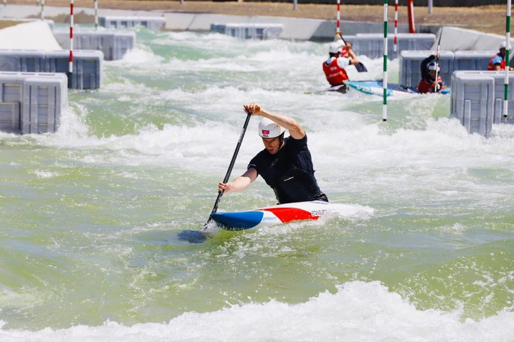 A group of 35 athletes were joined by Generation 2024 youngsters and delegates to test the whitewater channels in Vaires-sur-Marne ©Paris 2024