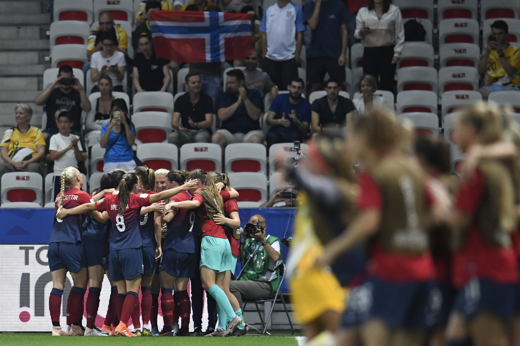 Isabell Herlovsen celebrates with her team mates and the Norway fans after her goal in Nice ©Getty Images