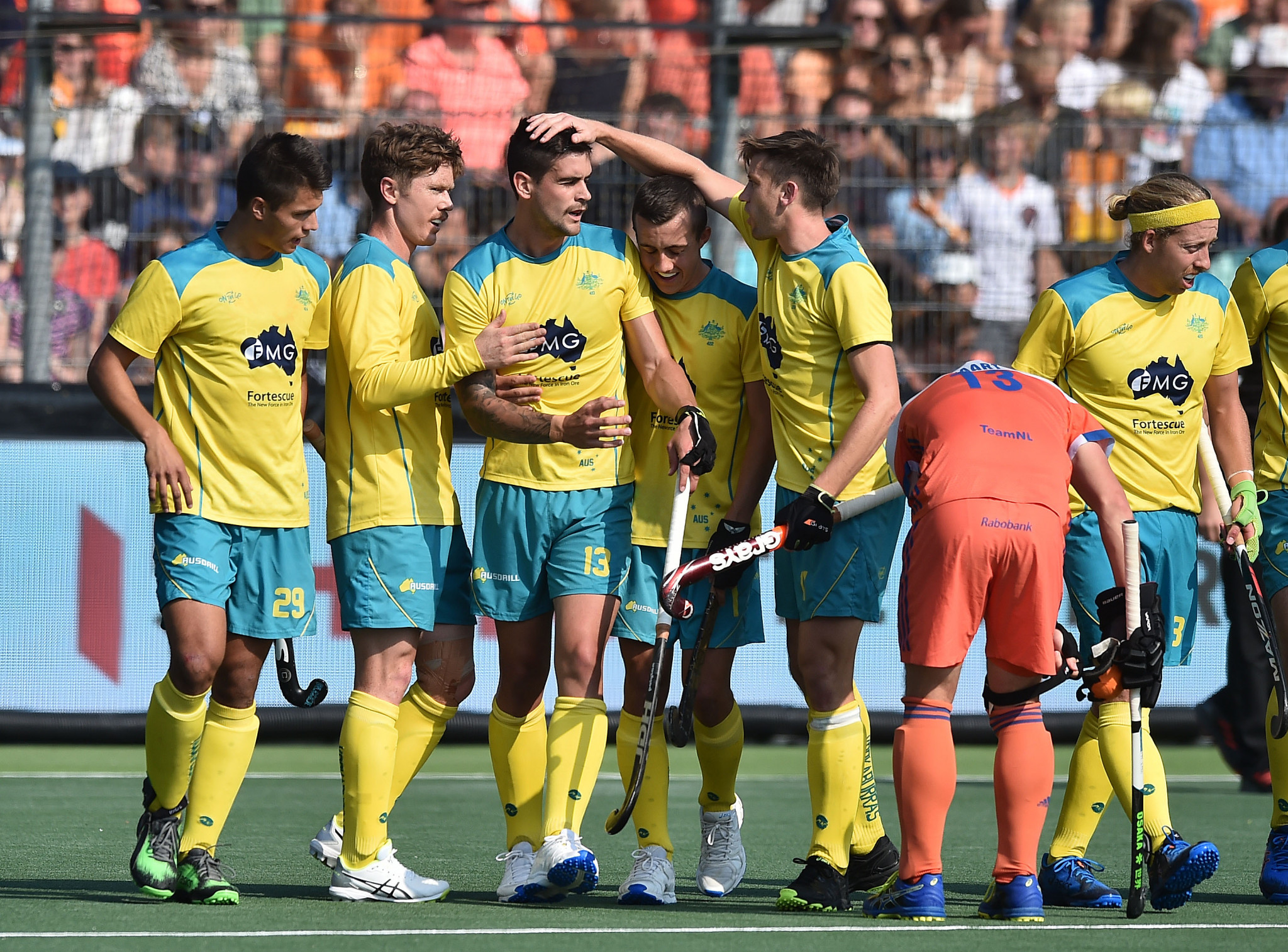 Australia put Dutch to the sword at Men's FIH Pro League after fire brigade called to water pitch