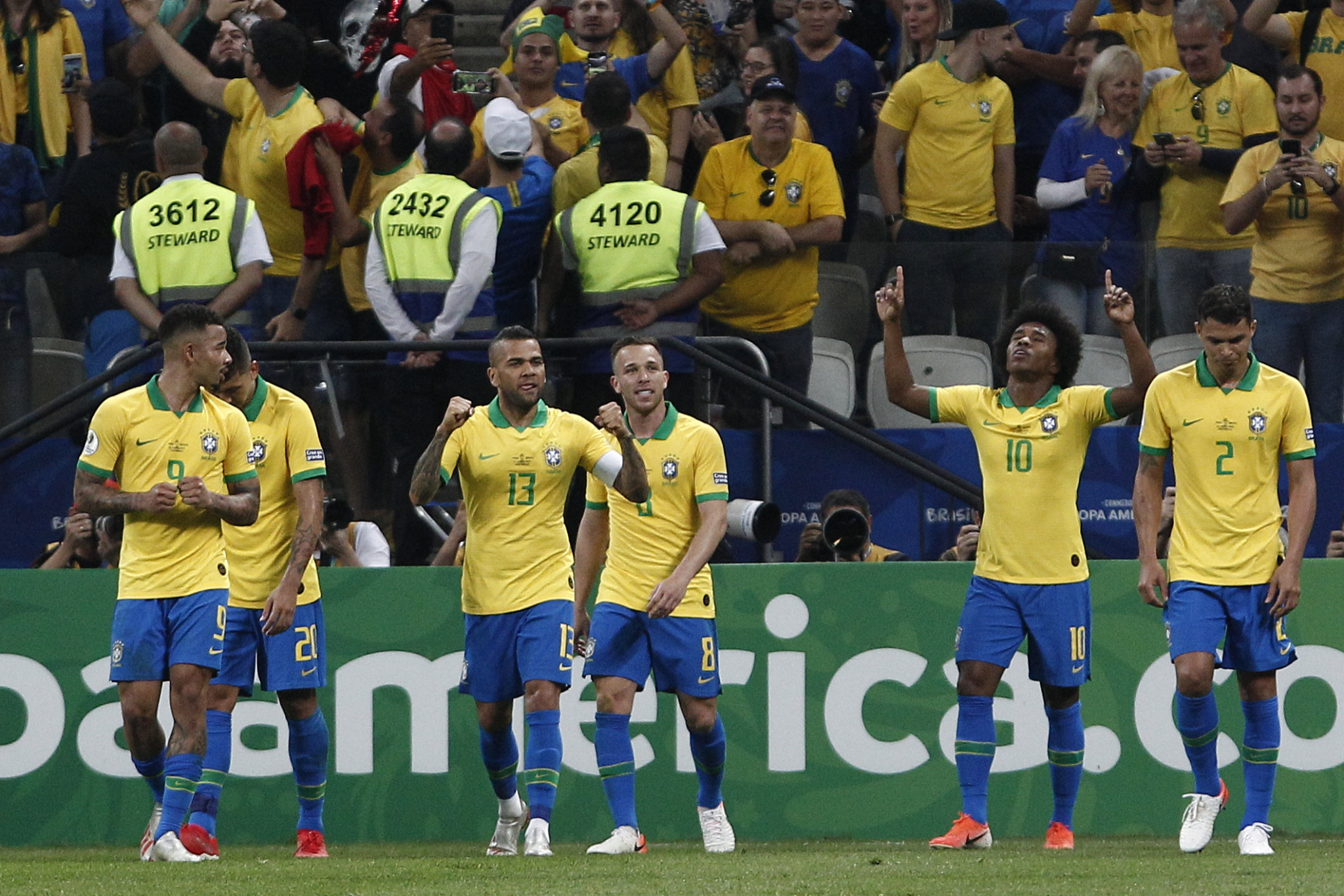 Brazil defeated Peru 5-0 to reach the last eight of the Copa América ©Getty Images