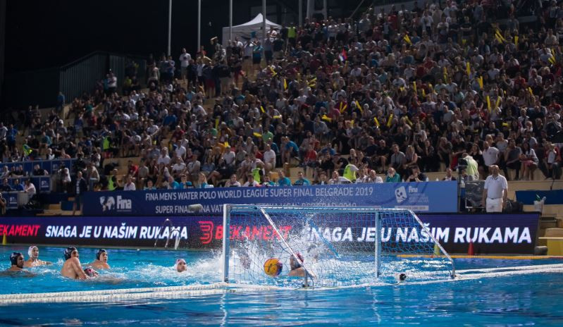Serbia edged out Croatia 11-10 to win a thrilling International Swimming Federation Men's Water Polo World League Super Final ©FINA