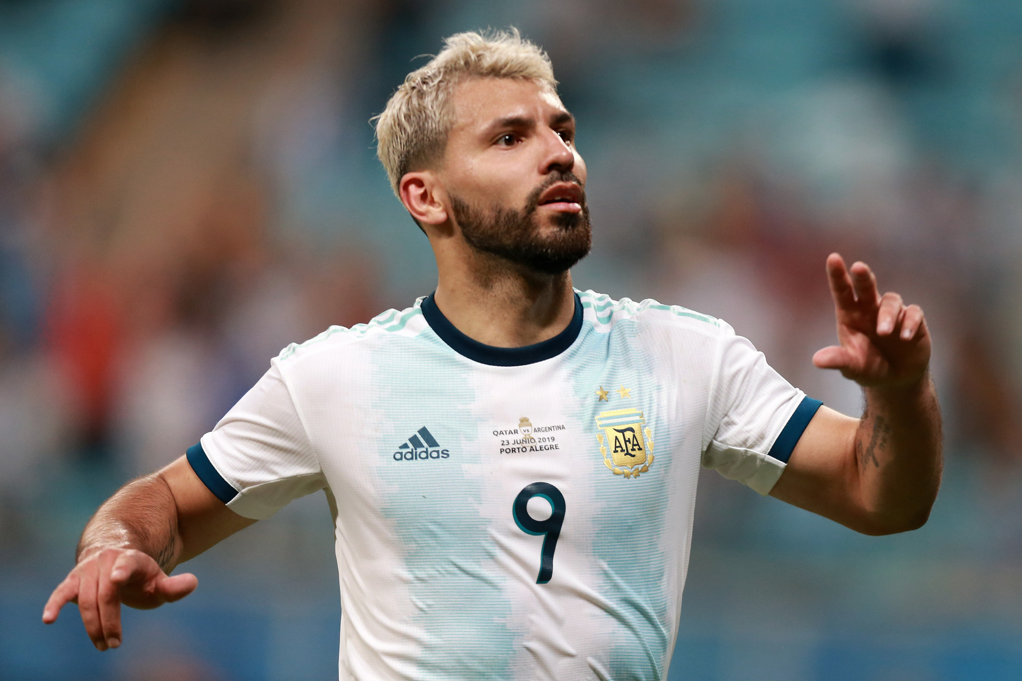 Agüero leads Argentina into Copa América last eight