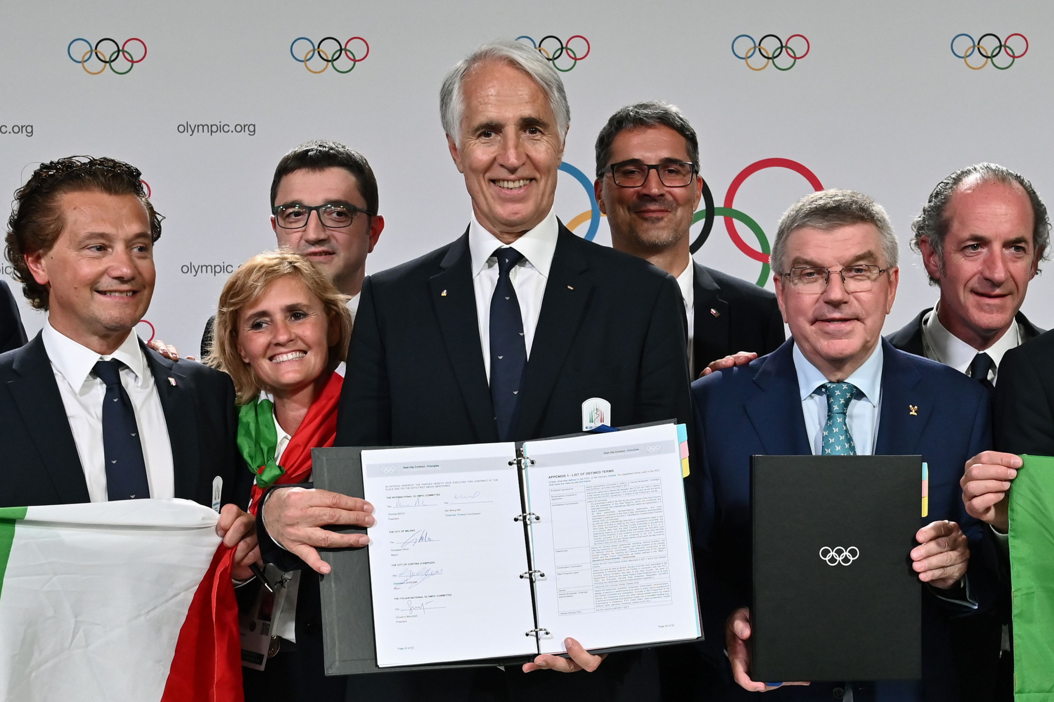 Giovanni Malagò highlighted the crucial role played by politicians last year when the Milan Cortina 2026 bid appeared at risk following the withdrawal of Turin from the project ©Getty Images