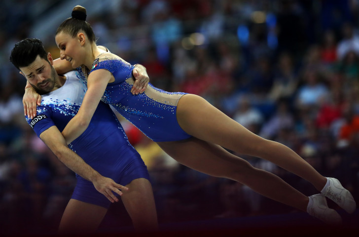 Italy's Michela Castoldi and Davide Donati lived up to their billing as favourites as they won the aerobic gymnastics mixed pairs event at Minsk 2019 ©Getty Images