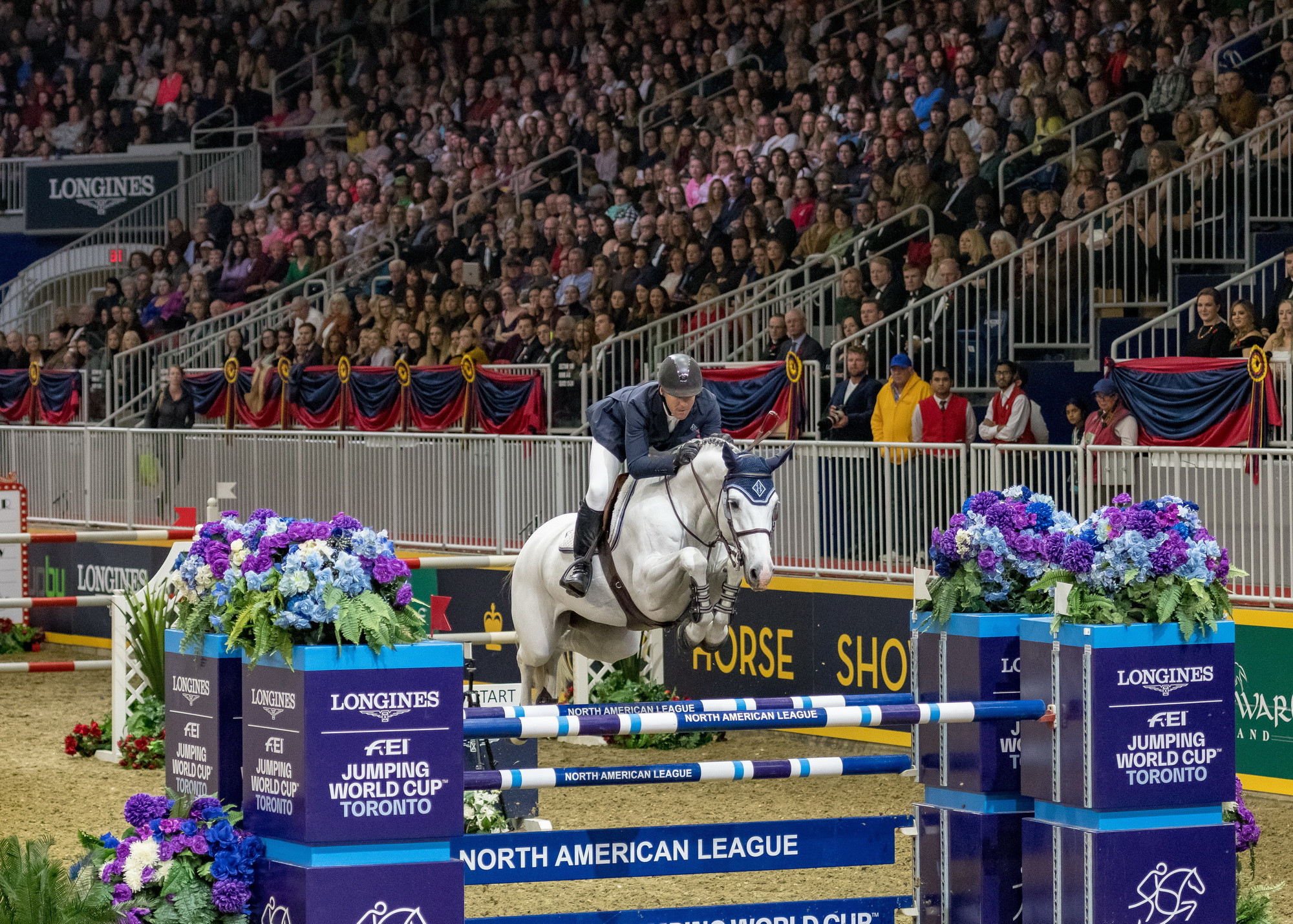 Longines has extended its agreement as title partner of the FEI Jumping World Cup North American League ©FEI
