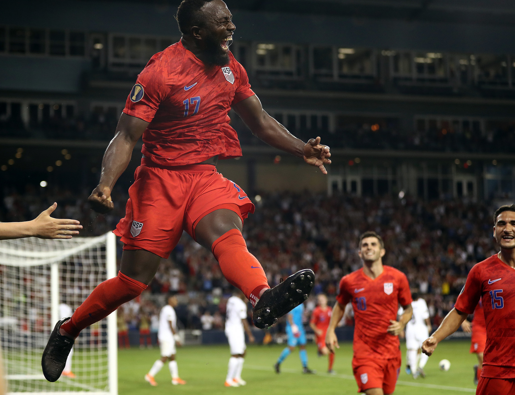 Hosts United States beat Panama 1-0 to clinch first place in Group D at the CONCACAF Gold Cup ©Getty Images