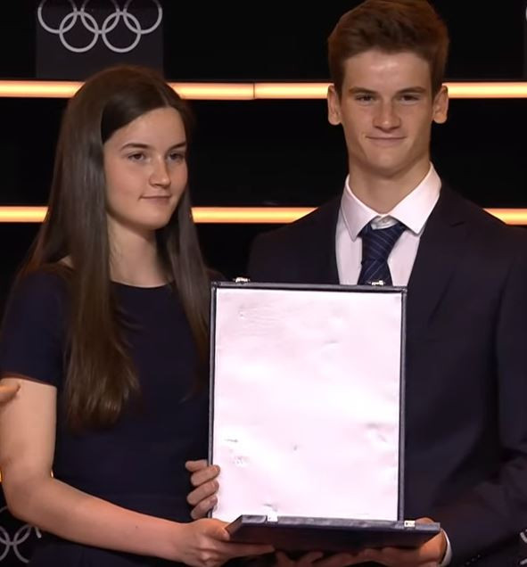 Bianca and Paul Baumann were presented the Olympic Order which was posthumously awarded to their late father, Patrick Baumann ©IOC
