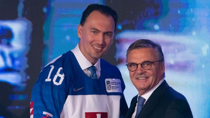 Four-times World Championship medallist Miroslav Šatan, pictured here with IIHF head René Fasel, has been elected President of the Slovak Ice Hockey Federation for the next three years ©Andre Ringuette/HHOF-IIHF Images