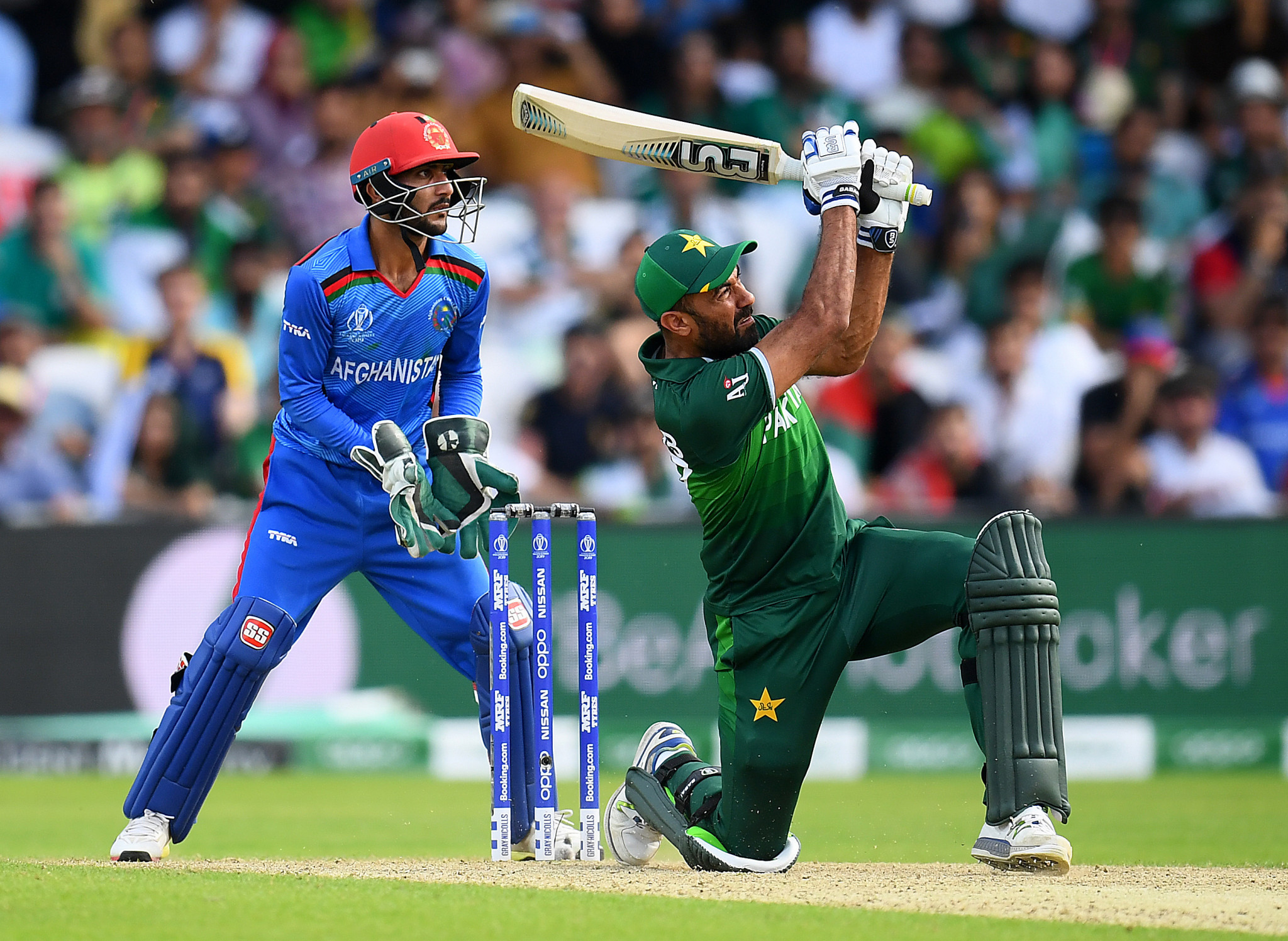 Thrilling Pakistan victory over Afghanistan puts pressure on England at ICC Cricket World Cup