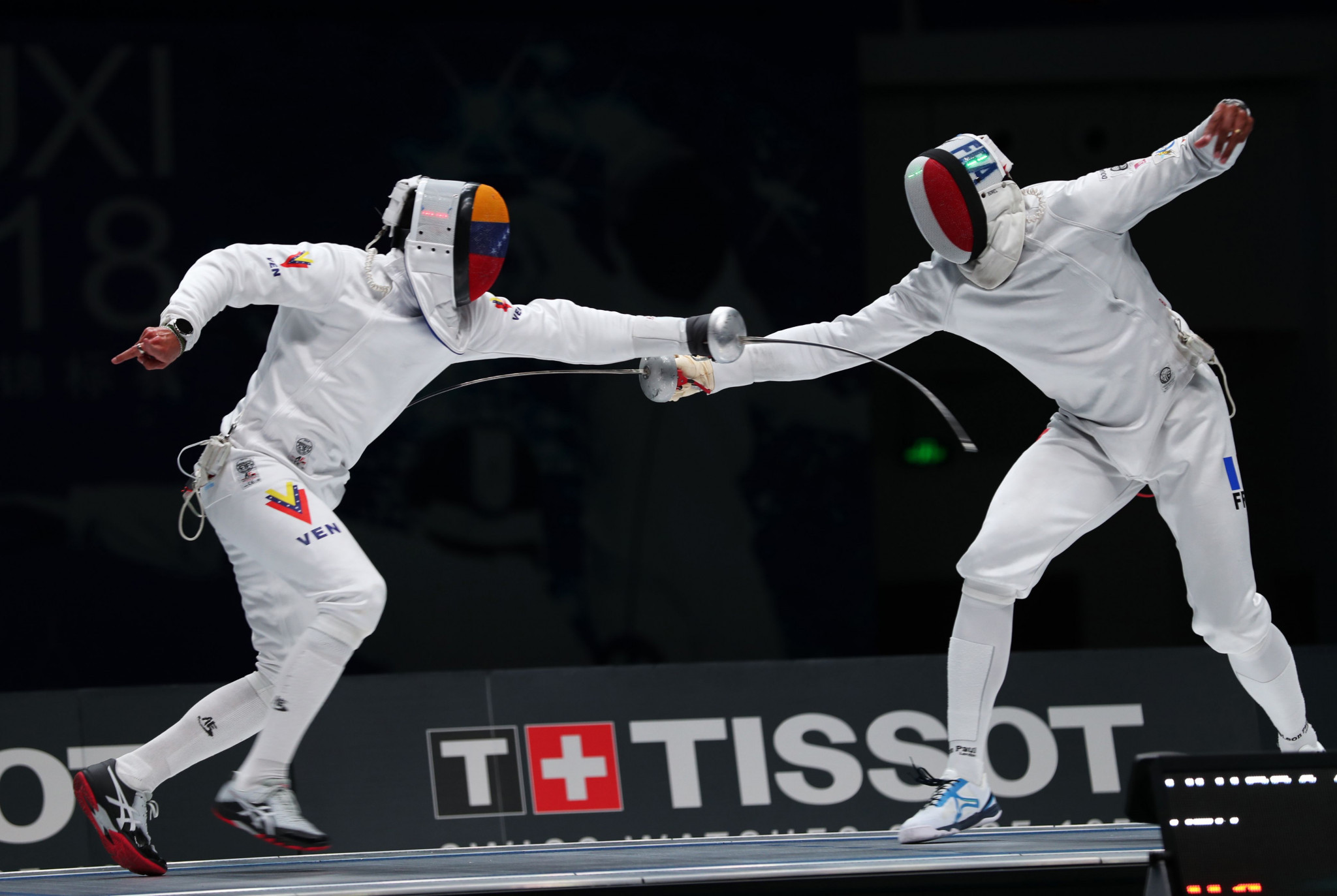 Venezuela's Olympic gold medallist Rubén Limardo, left, triumphed in the épée at the Pan American Fencing Championships in Toronto against his brother Jesús ©Getty Images