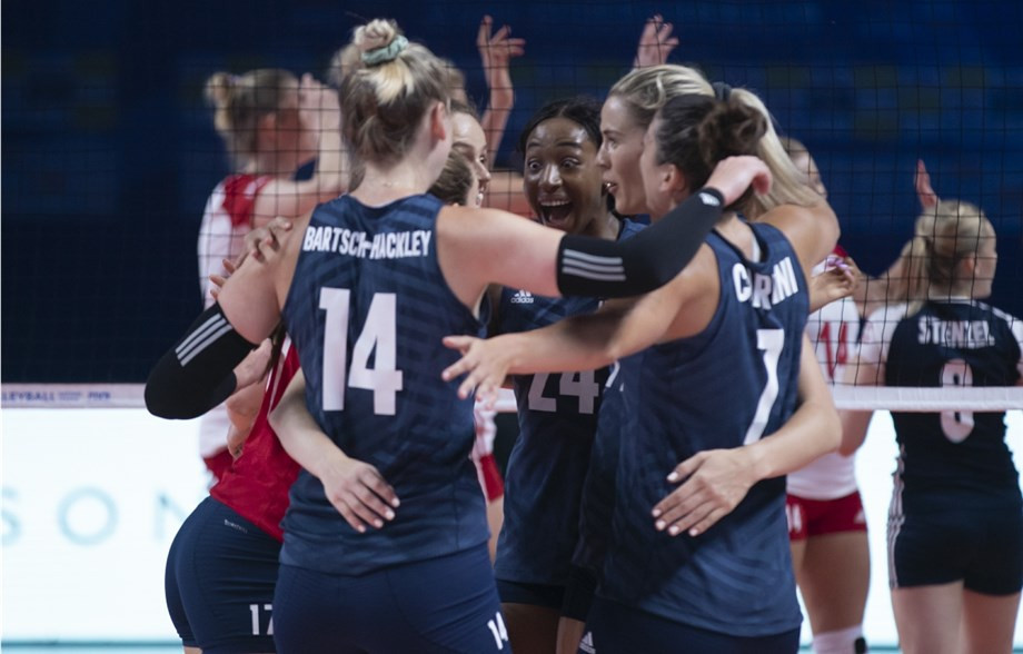 Olympic bronze medallists the United States began the defence of their title with a win ©FIVB