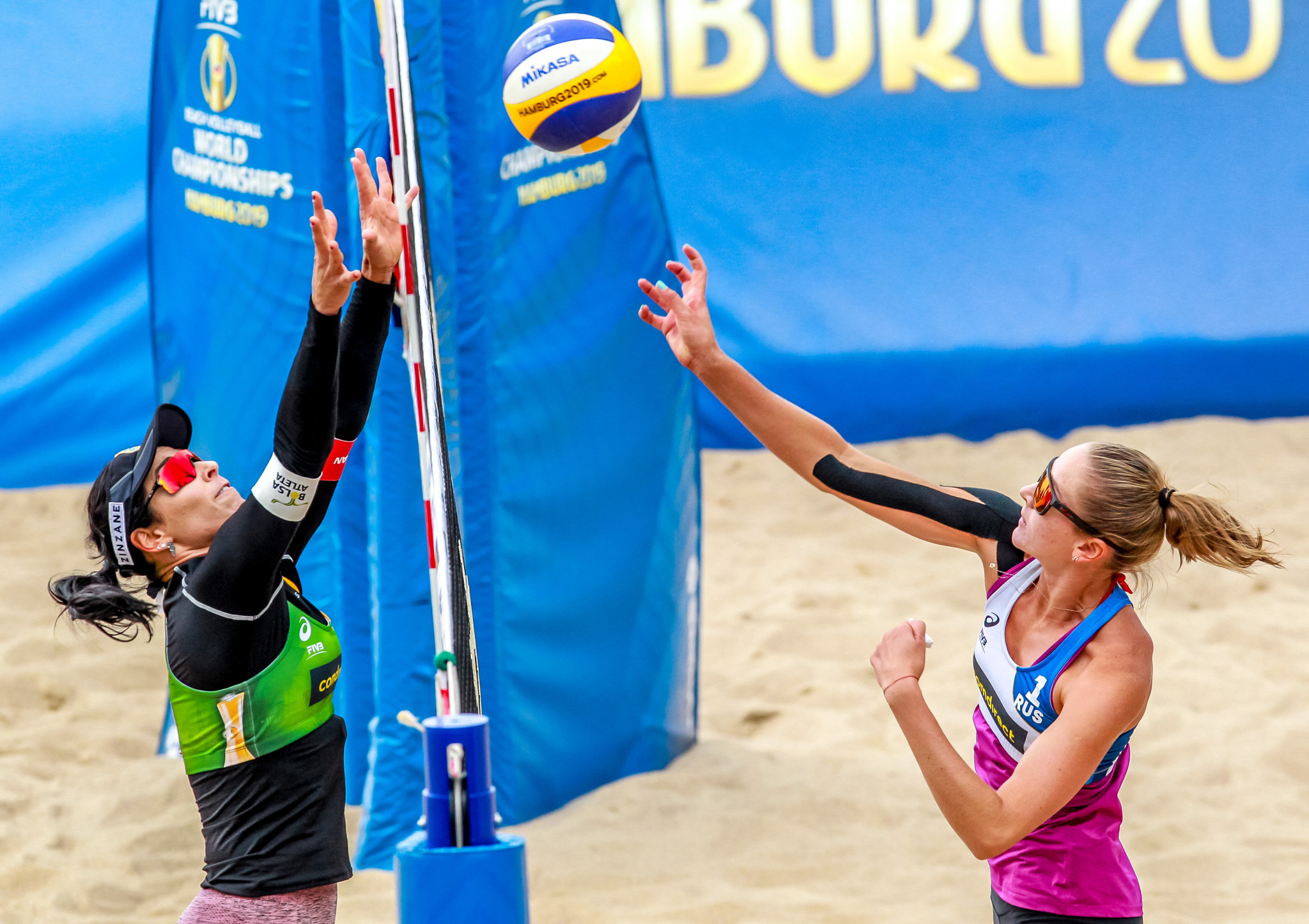 Russian pair stun world number ones at FIVB Beach Volleyball World Championships