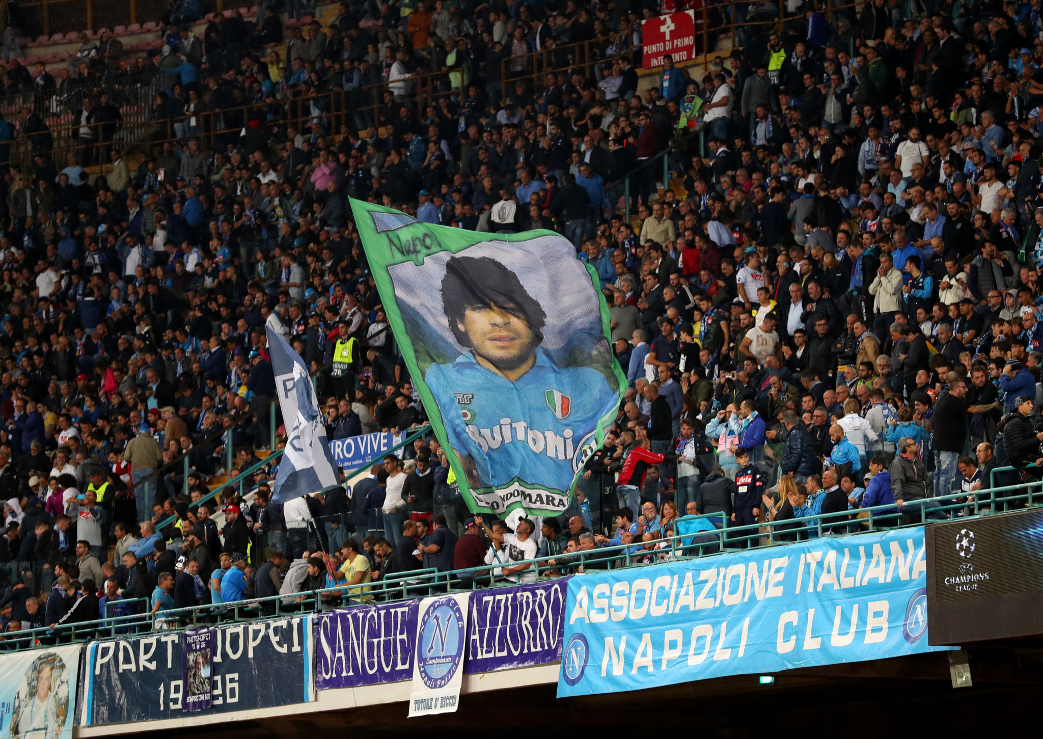 Maradona thanks Neapolitans for Summer Universiade Opening Ceremony tribute