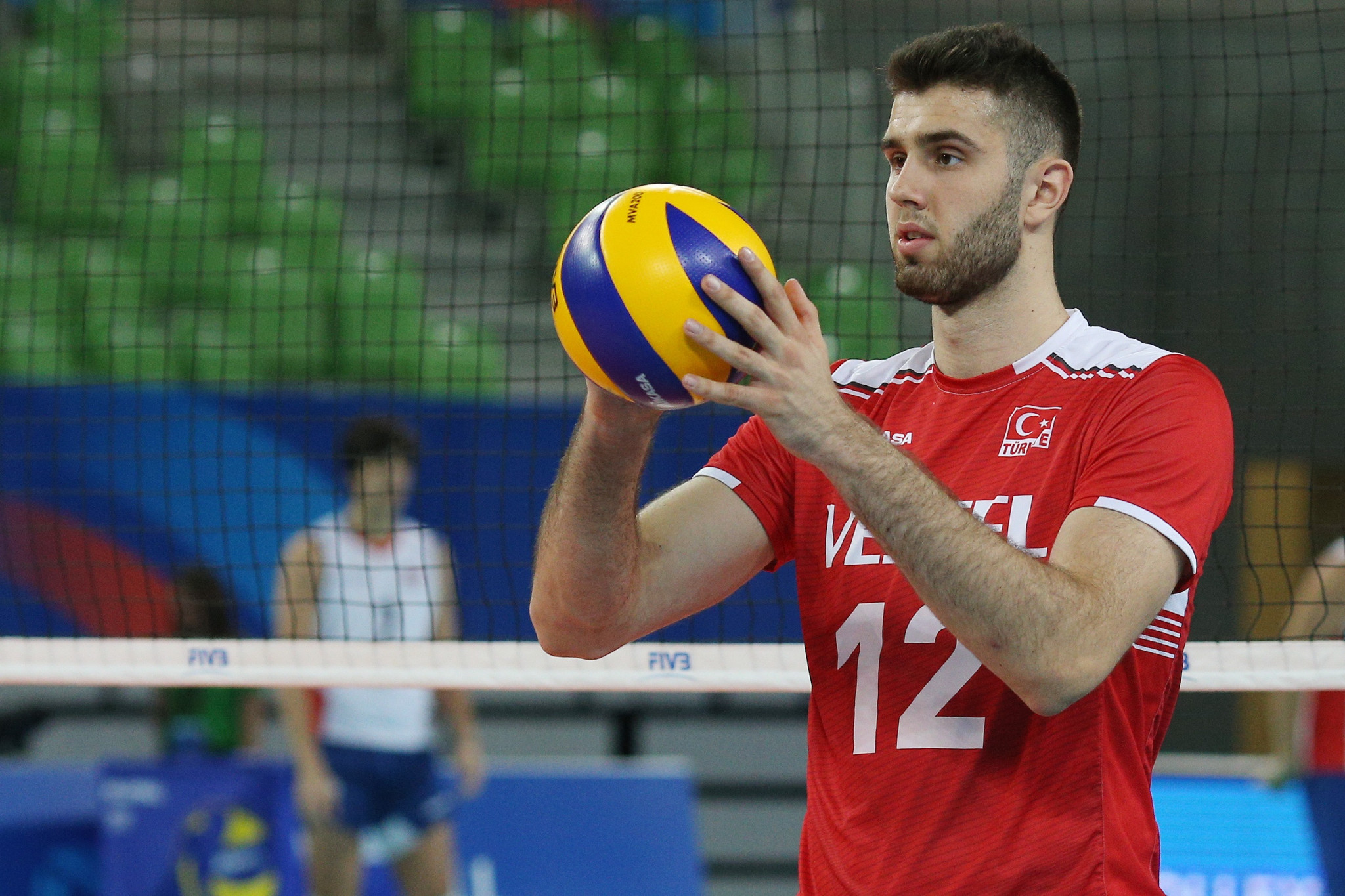 Turkey began their campaign with a straight-sets win over Chile ©FIVB