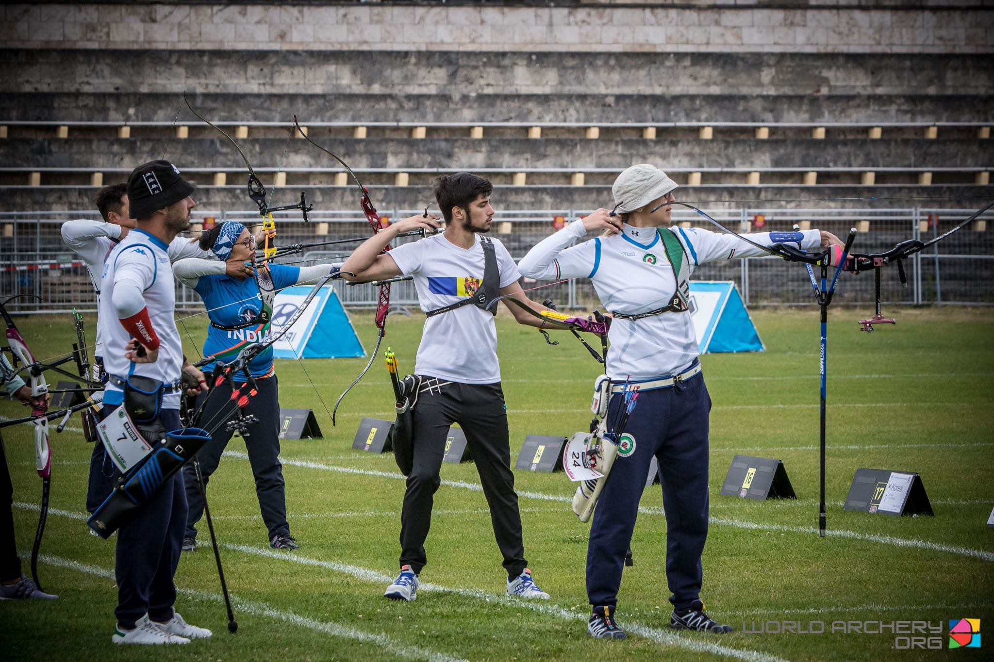 Moldova pair earn their country first gold medal match at Archery World Cup in Berlin