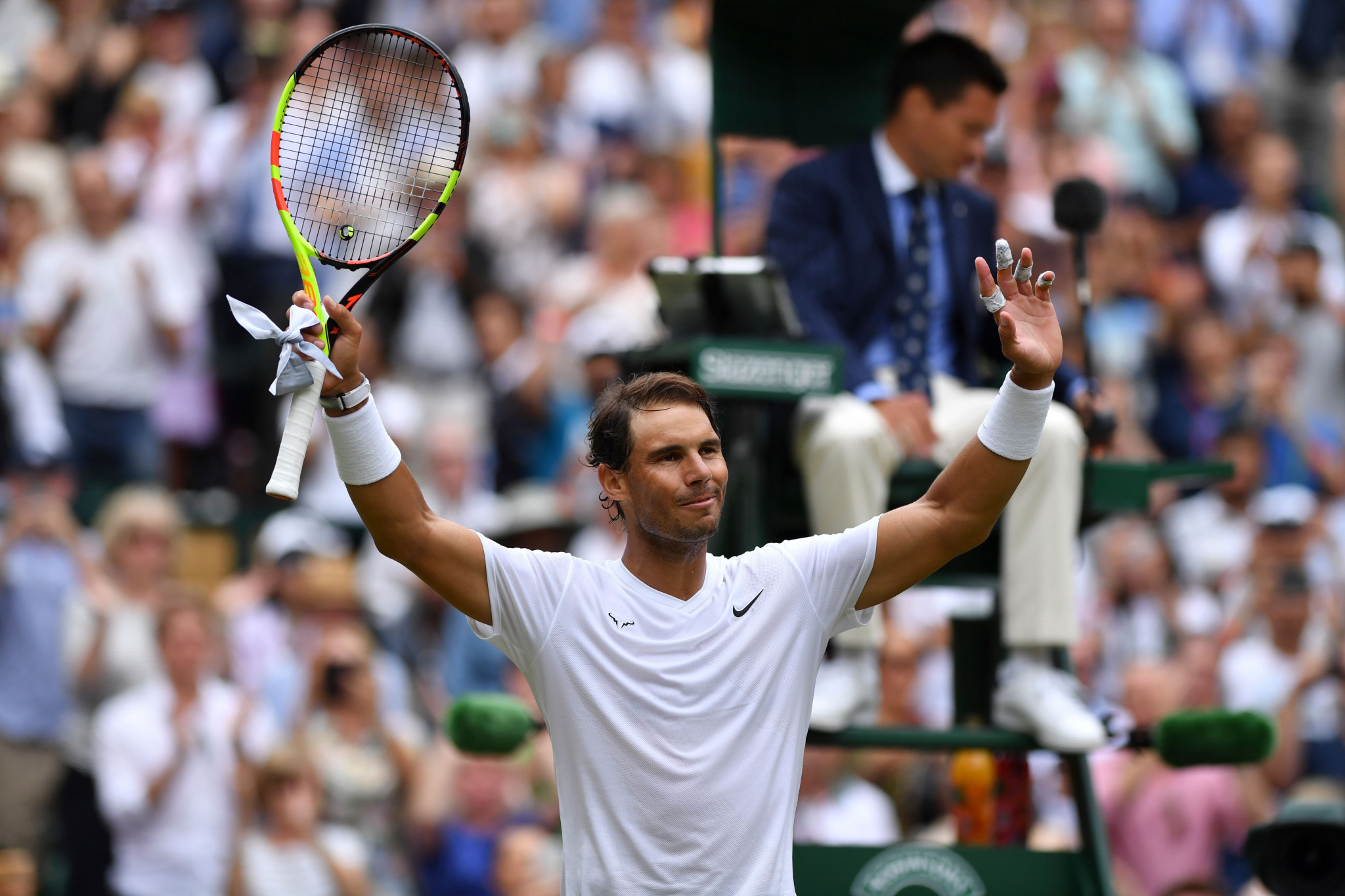 Nadal and Federer negotiate safe routes into last 16 at Wimbledon