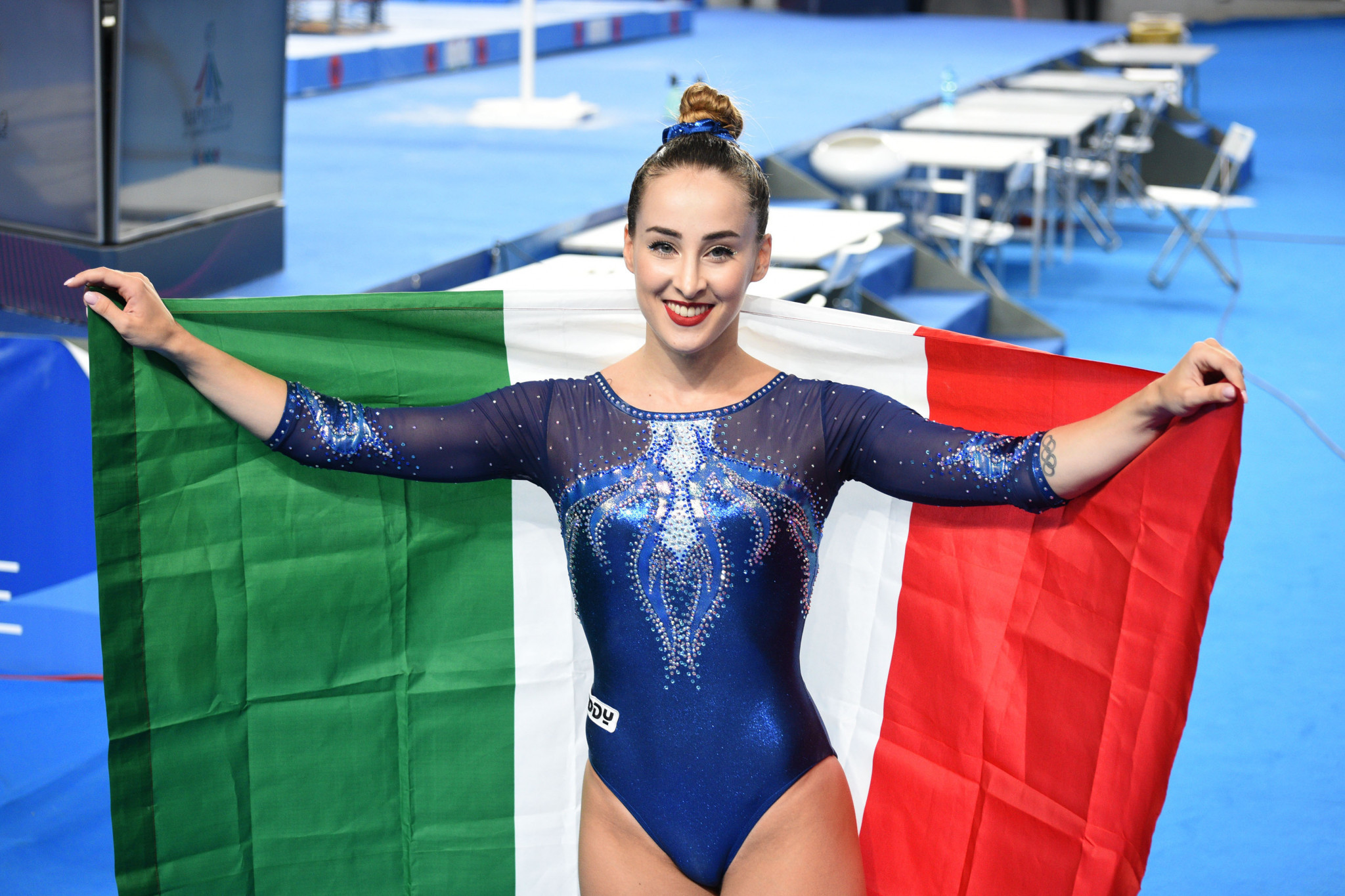 Ferlito lauded by home crowd after flooring rivals for Universiade gold