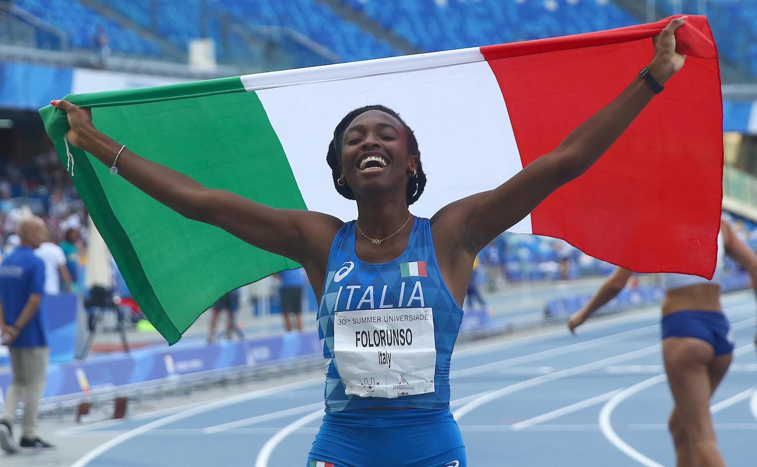 Italy's Ayomide Folorunso retained her women's 400m hurdles title ©FISU