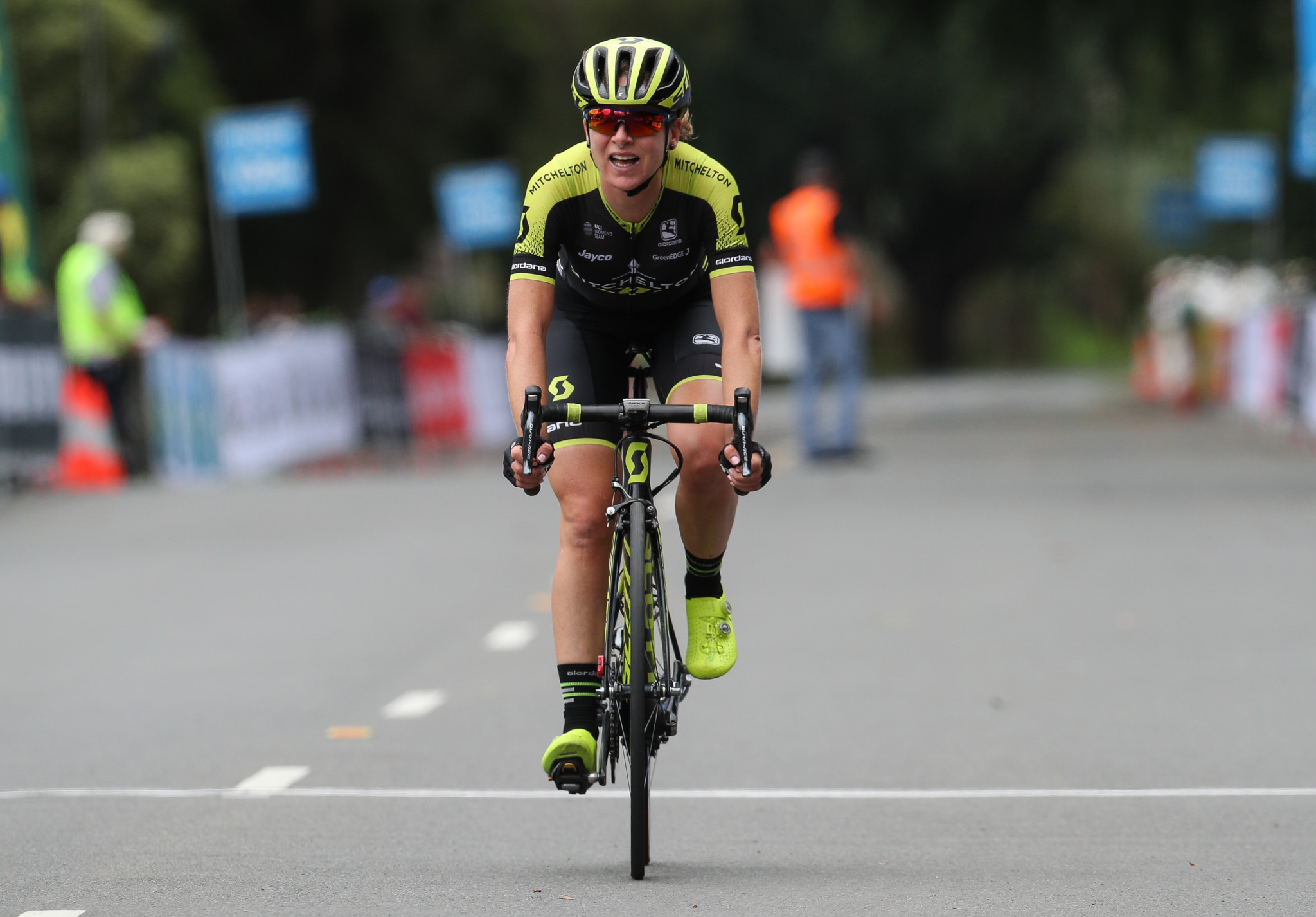 Defending champion Annemiek van Vleuten moved a step closer to retaining her title ©Getty Images