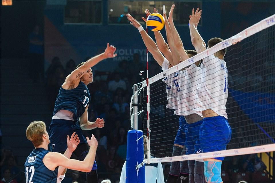 The United States defeated Russia with both sides already assured of semi-final spots ©FIVB/Twitter