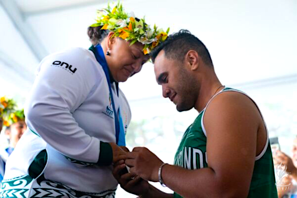Women's va'a medal ceremony at 2019 Pacific Games trumped by marriage proposal