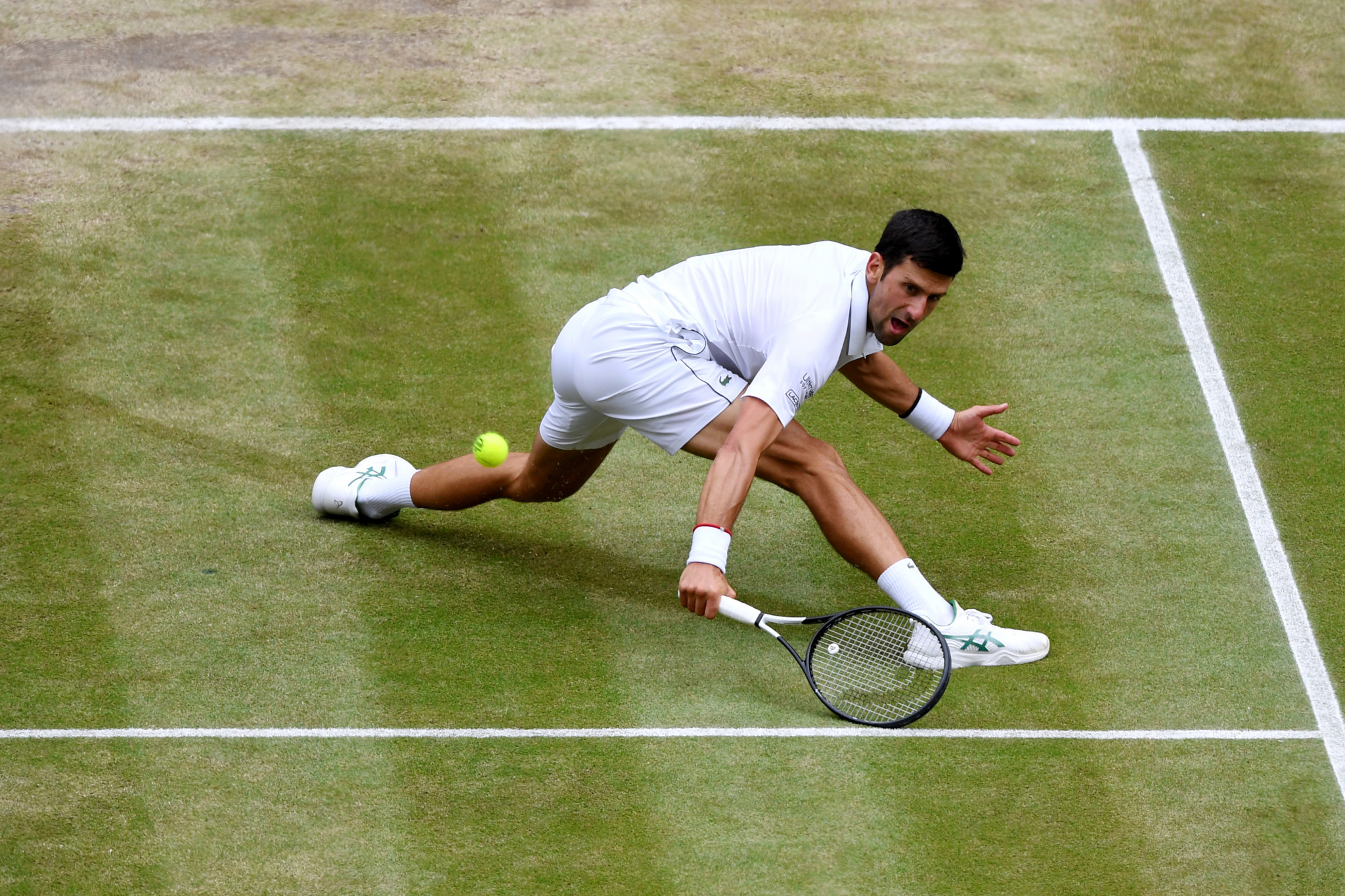 Djokovic was at full stretch to make this particular backhand ©Getty Images