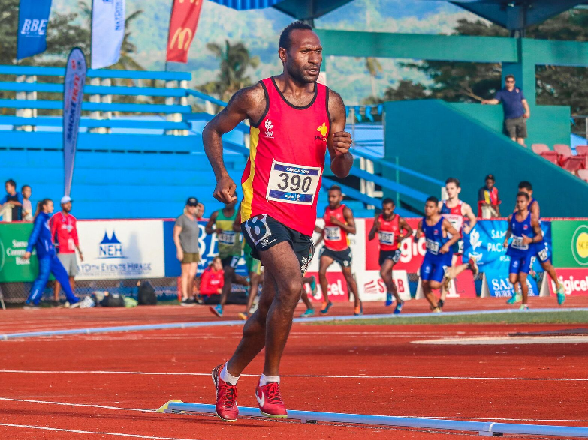 Papua New Guinea celebrated a clean sweep in the men's 10,000m ©Pacific Games News Service/Roland Setu