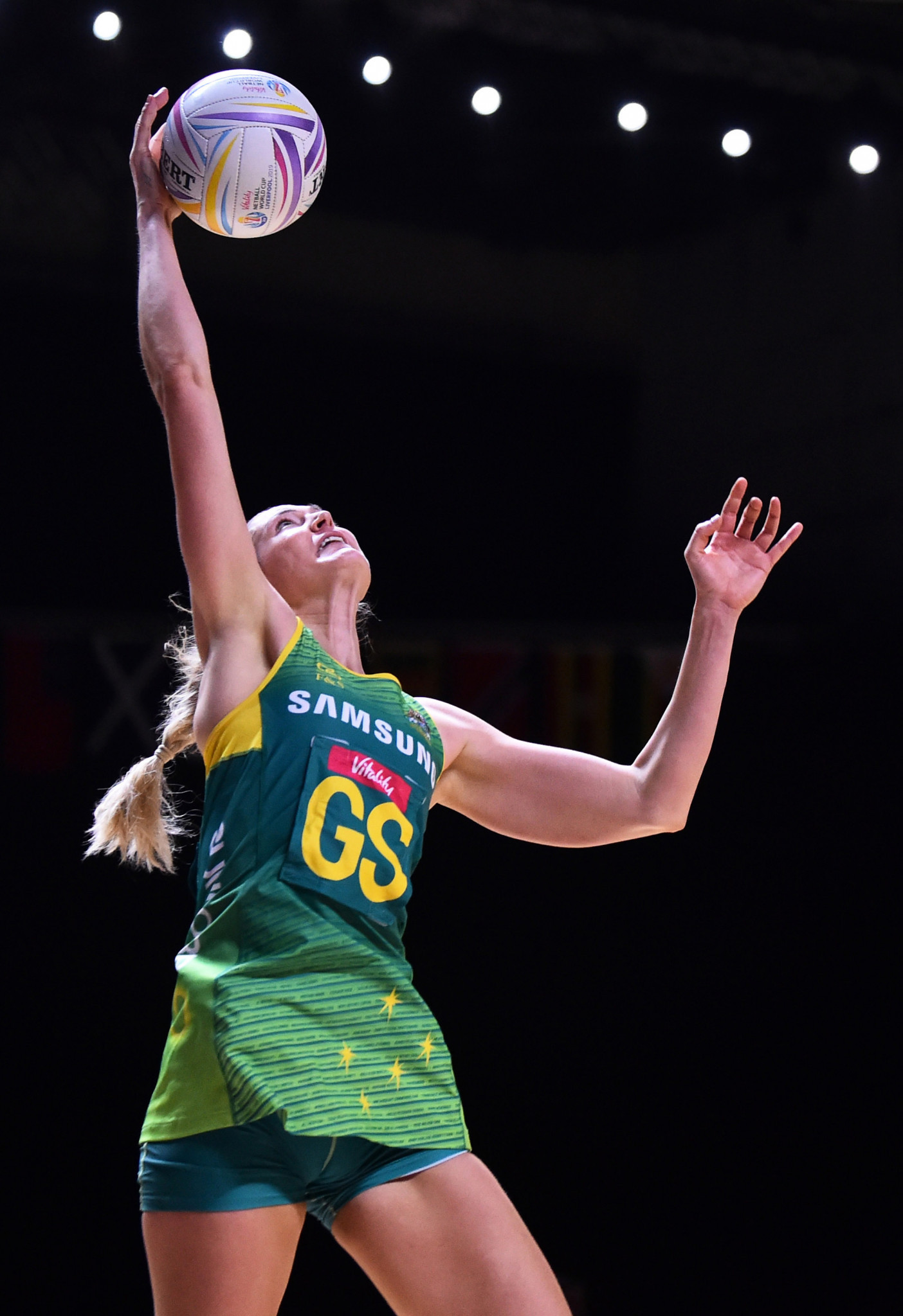 Australia and New Zealand reach Netball World Cup semi-finals