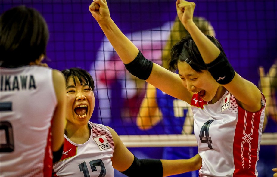 Japan continued their fine tournament by beating United States in straight sets ©FIVB