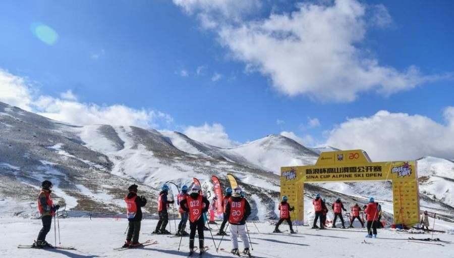 The Sina Alpine Ski Cup, a mass participation skiing competition series in China, is to be officially endorsed by the FIS as part of the new Memorandum of Understanding between the two organisations ©Sina Sports