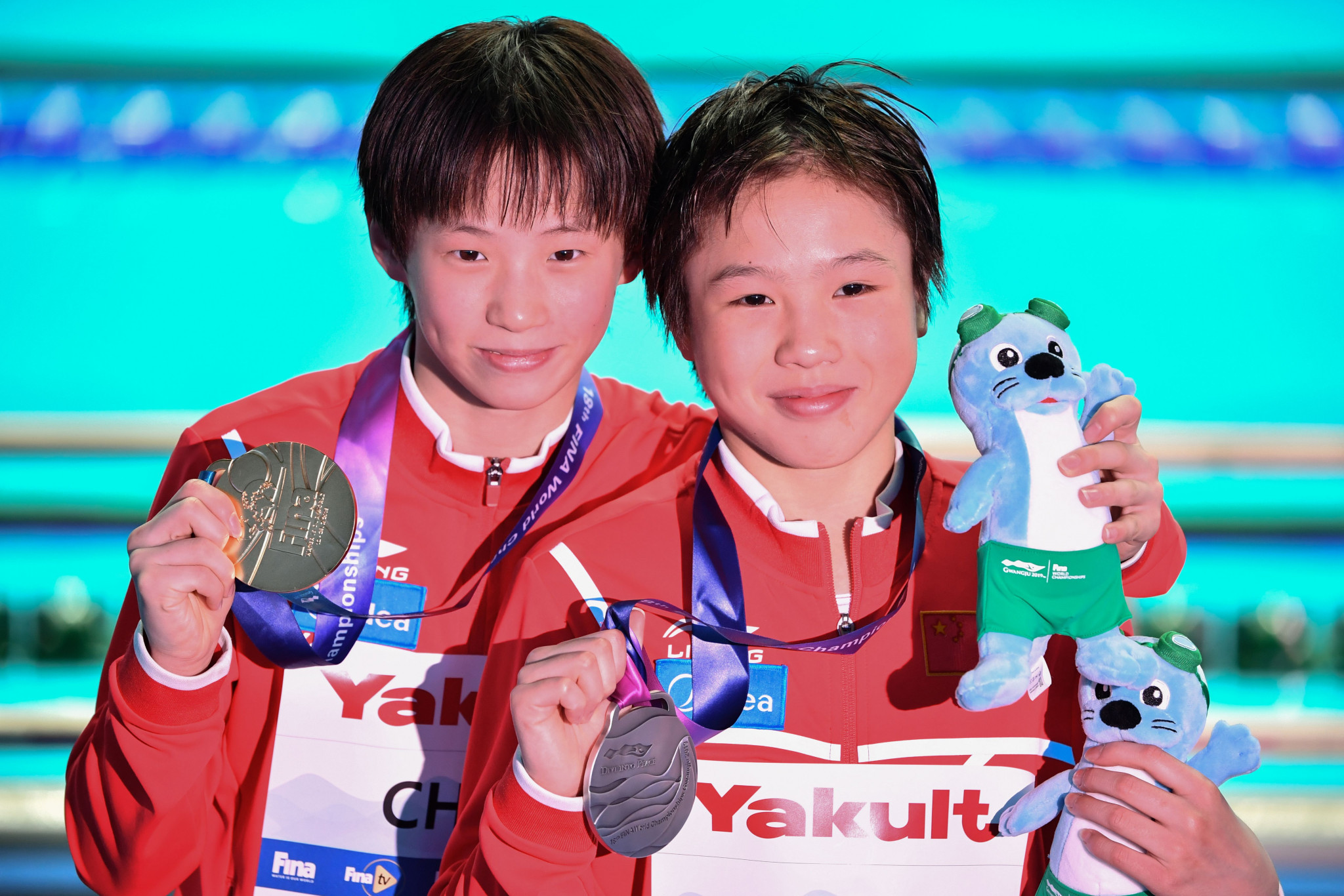Chinese 13-year-olds lead diving 1-2 at World Aquatics Championships